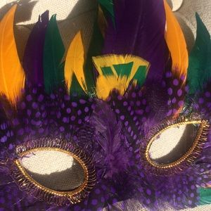 Other - 🎃 Halloween 🎃 colorful feather masquerade mask